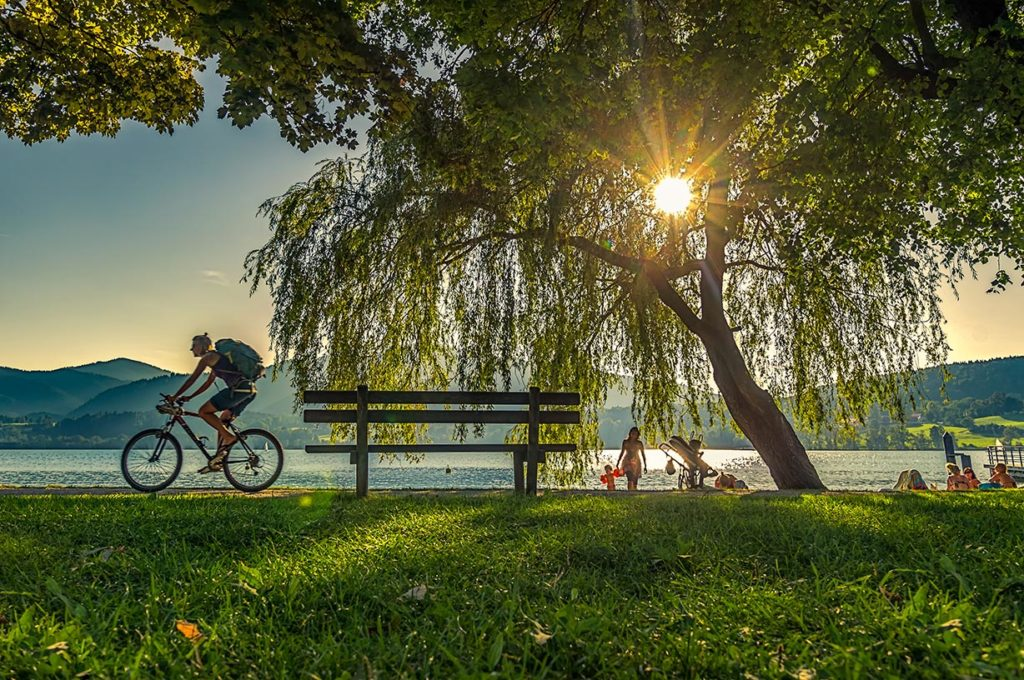 Our camping park is directly connected to the cycling and hiking trails of Lake Constance.